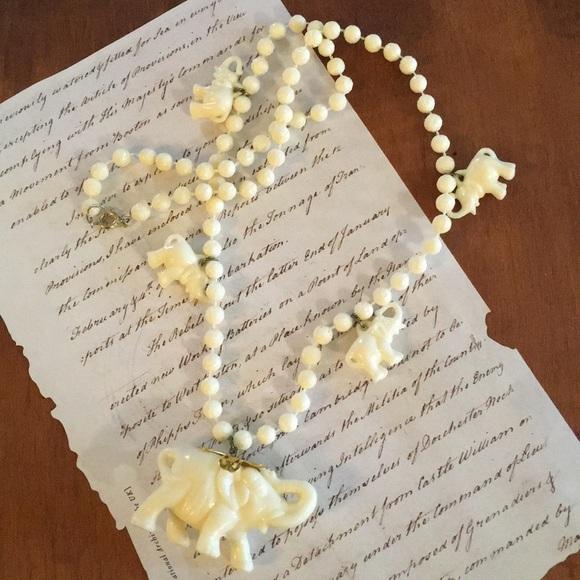 Vintage Jewelry - Vintage Elephant Necklace